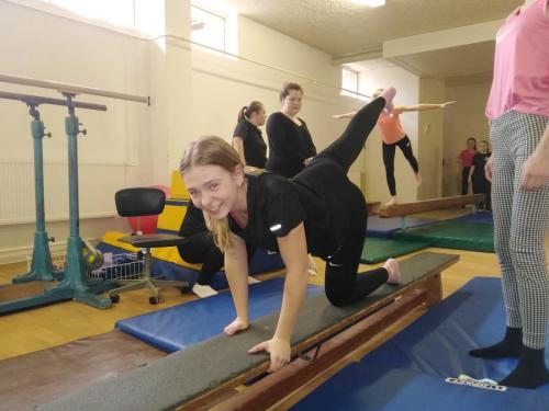 10 040 gymnastika