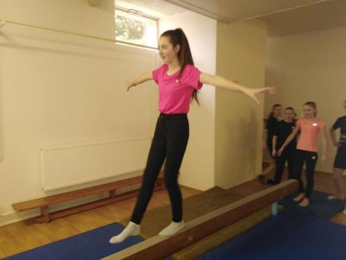 11 040 gymnastika