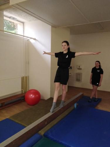 16 040 gymnastika