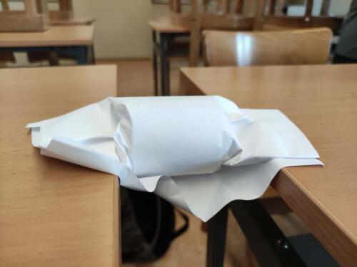 34 - Fyzika - mosty z papíru